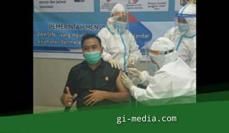Acungkan Jempol jalani Vaksinasi, Muhammad Azwar Beri Pesan Kemasyarakat  