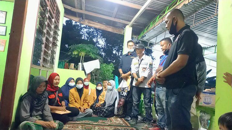 Aksi 4 Ormas Galang Dana Untuk Yanti Penderita Kanker Lidah