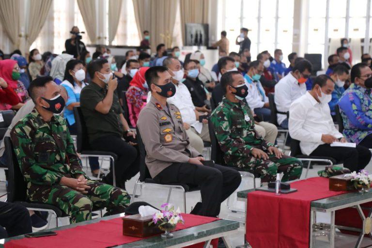 Peringatan May Day, Poldasu Salurkan 4.000 Paket Sembako kepada 49 Elemen Serikat Buruh di Sumut  
