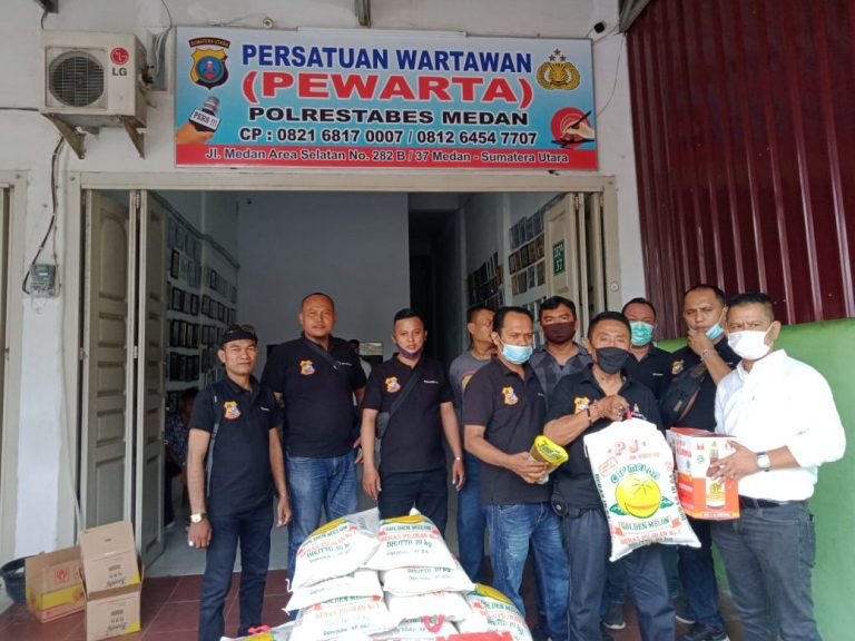 Sambut Idulfitri, Pewarta Polrestabes Medan Bagikan Paket Lebaran kepada Jurnalis |